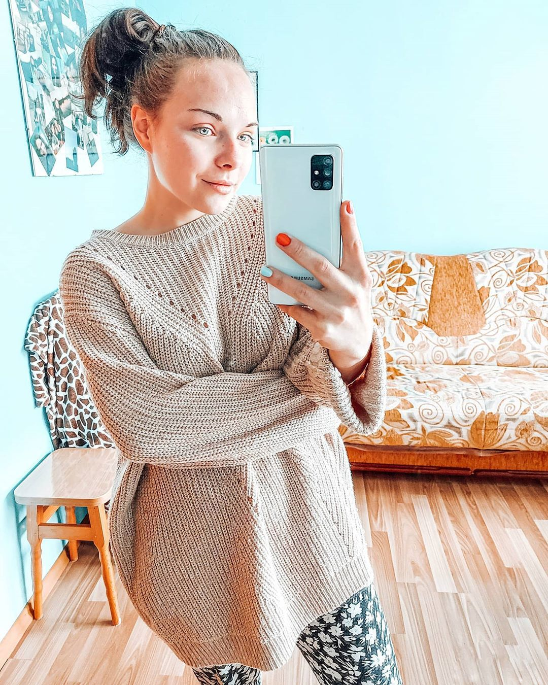 otthoni szett kötött pulóverrel