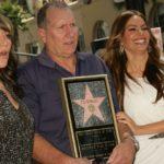 Ed O'Neill és sorozatbeli feleségei: Katey Sagal és Sofia Vergara