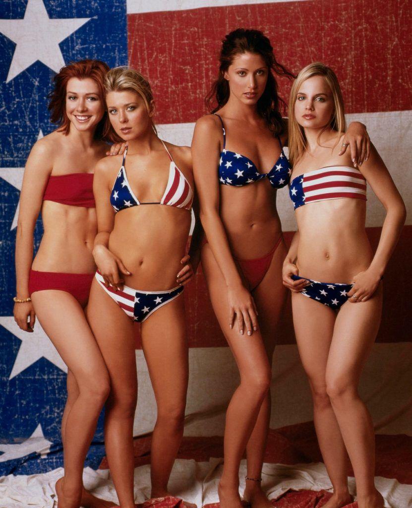 Az Amerikai pite négy női főszereplője: Alyson Hannigan, Mena Suvari, Tara Reid, Shannon Elizabeth (Fotó: UNIVERSAL PICTURES - Album / Album / Profimedia)
