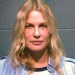 Daryl Hannah színésznőt és környezetvédelmi tüntetését tartóztatták le