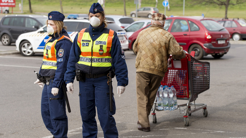rendőrök, koronavírus