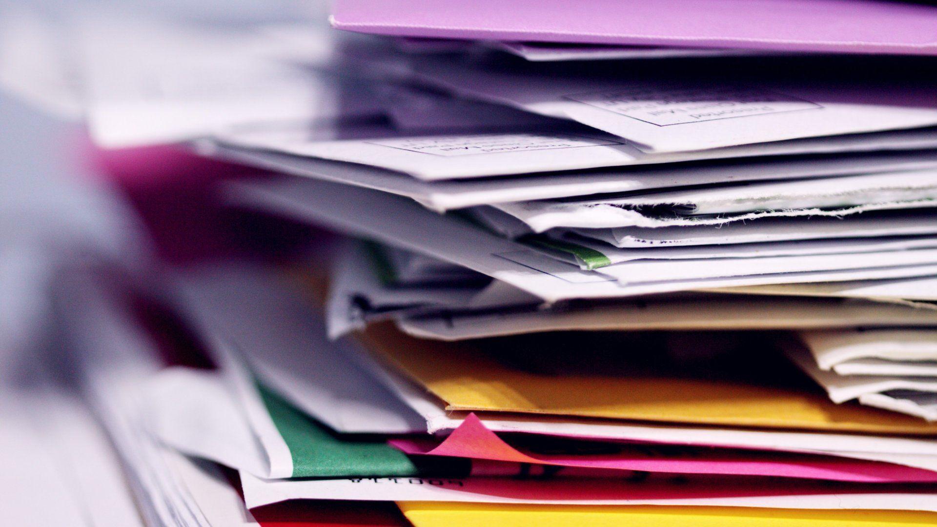 papírok és számlák
