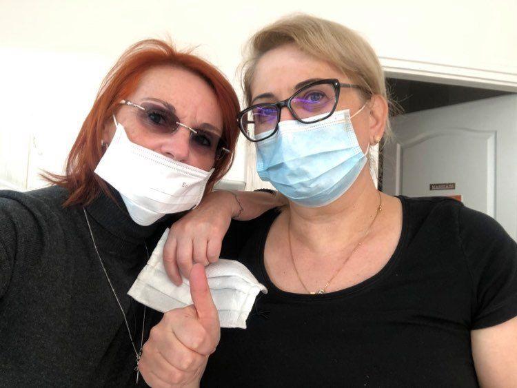 """""""Kivarrtam magamból a dühömet a rohadt vírus ellen, az elkeseredettségemet, hogy munkanélküli lettem"""" – maszkvarró terápia Orosházán"""