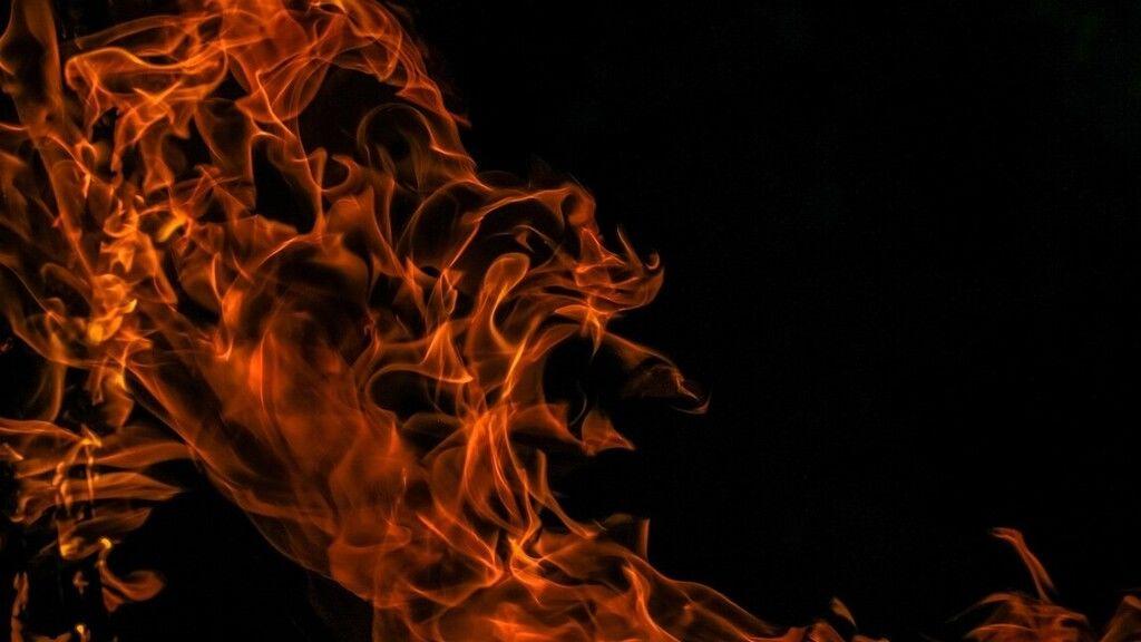 Hat gyerek halt meg a tűzben