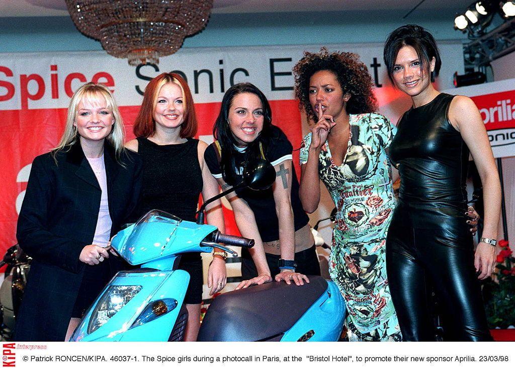 A Spice Girls 1998-ban: Victoria Beckham élvezte azt az időszakot, a népszerűség azonban teher volt neki (Fotó: RONCEN Patrick/KIPA/SYGMA/CORBIS/GUETTY IMAGES/Sygma via Getty Images)