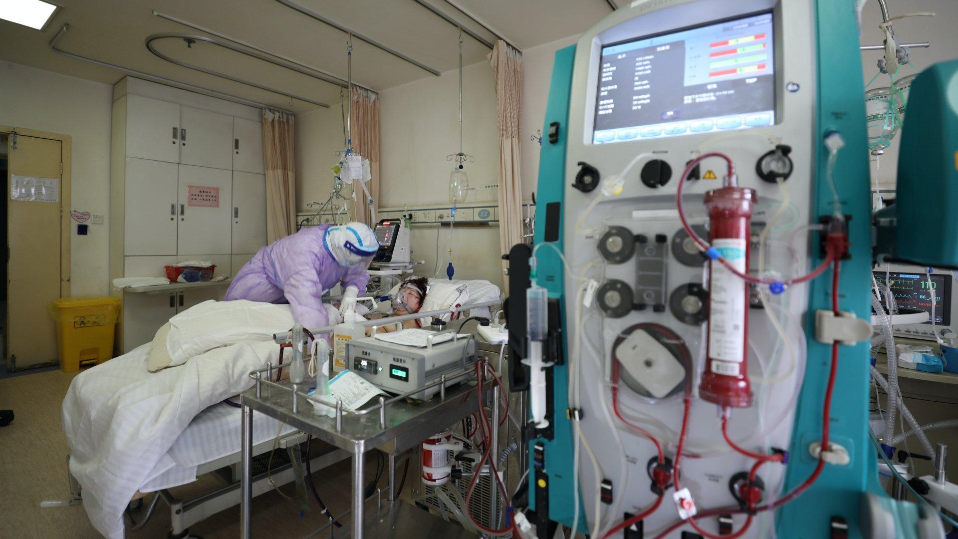 Koronavírusos beteg egy vuhani kórházban.