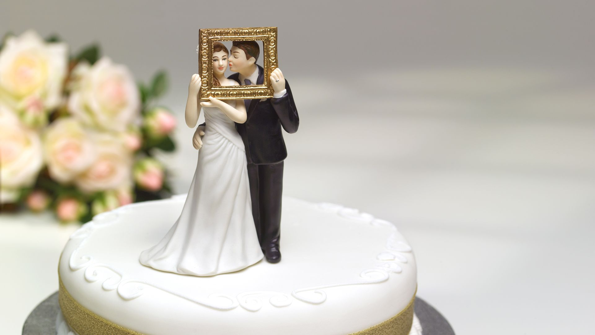 interneten keresztül nézték barátaik esküvőjét