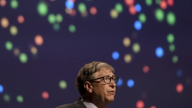 Bill Gates szerint védőoltás lehet majd a koronavírus elleni vakcinából