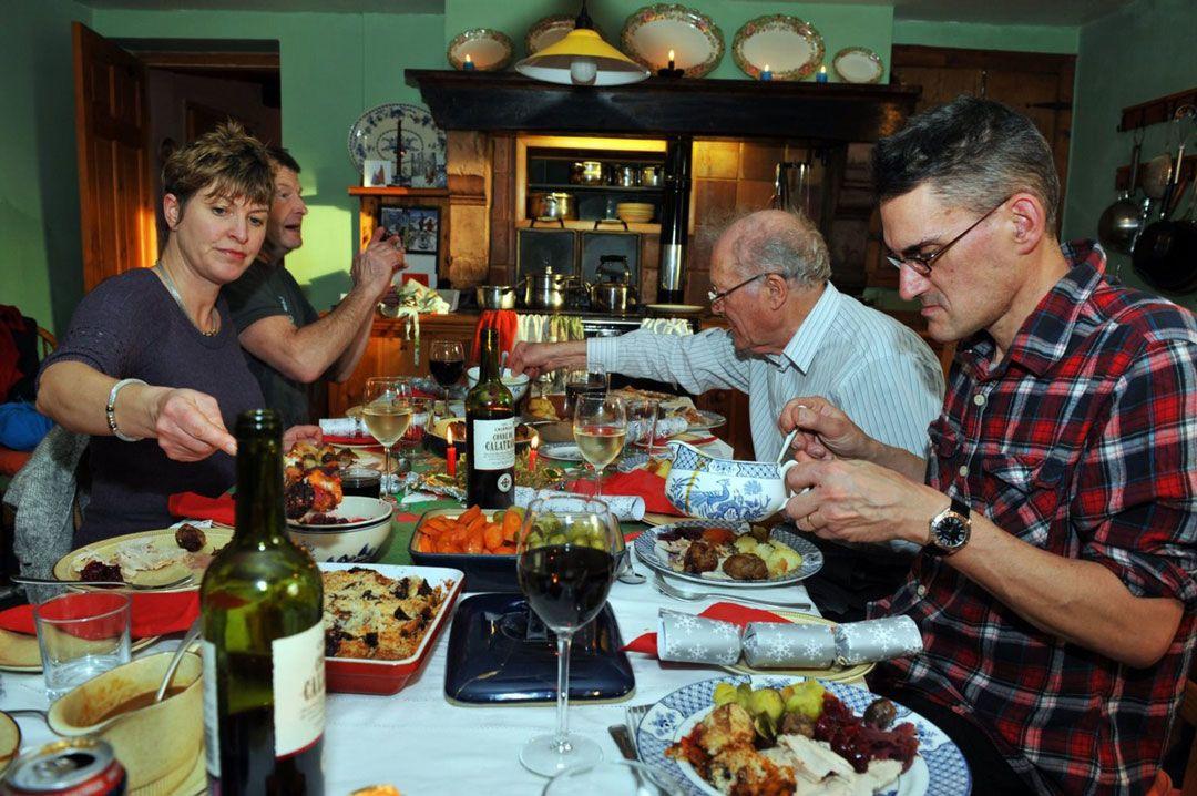 Családi ebéd, rengeteg étellel / Képünk illusztráció / Fotó: Profiemedia