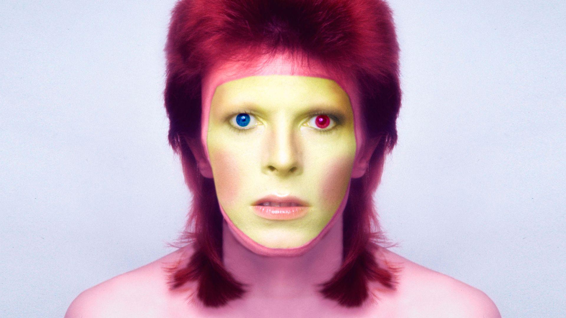 David Bowie 1973-ban, a fotó a Pin Ups albumhoz készült.