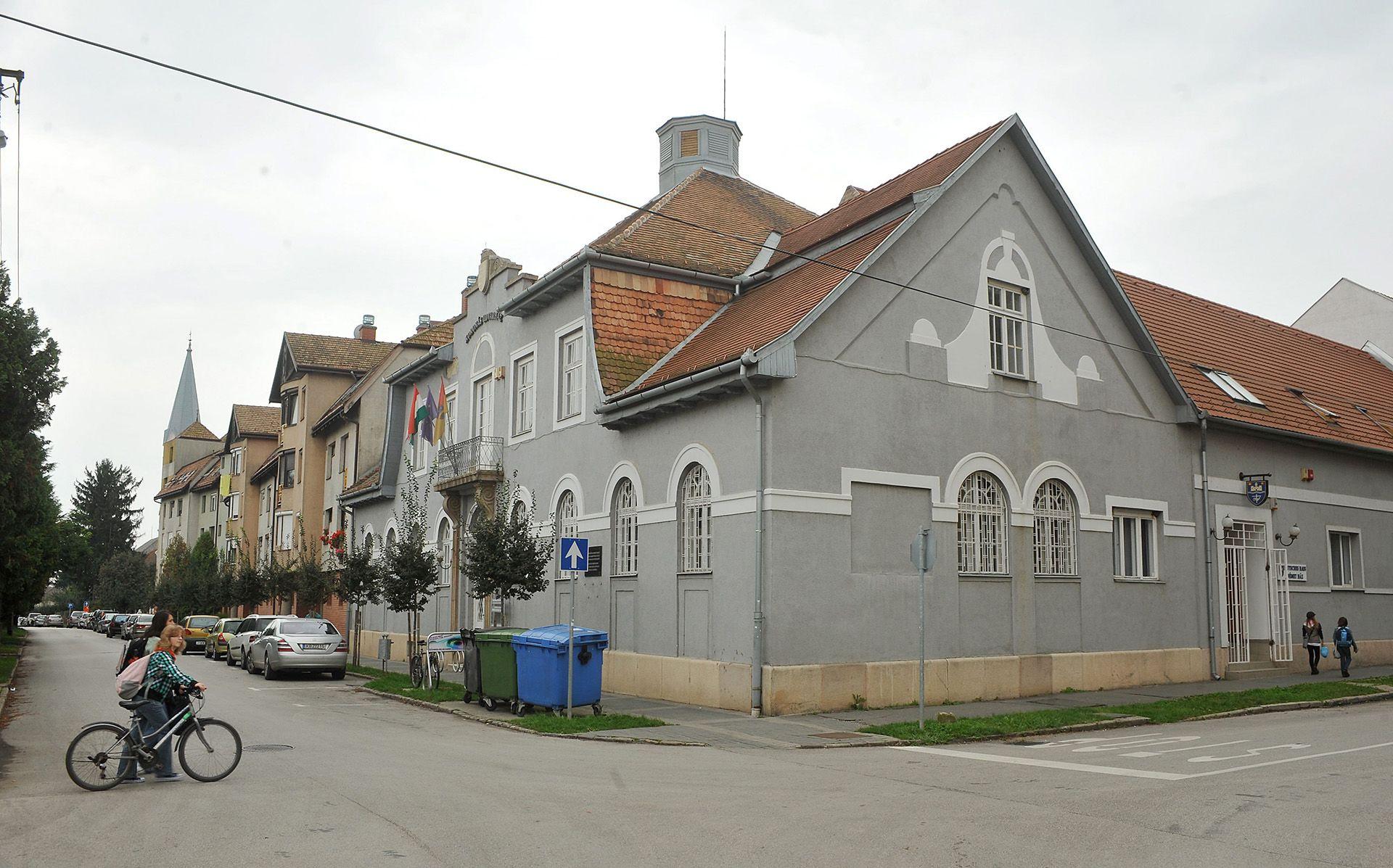 A Koronás Udvarház Dombóváron