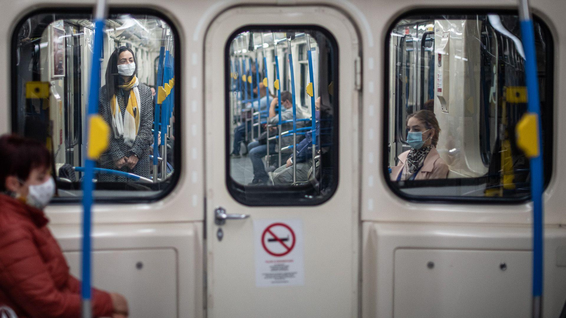 Kötelező a maszk a tömegközlekedésen