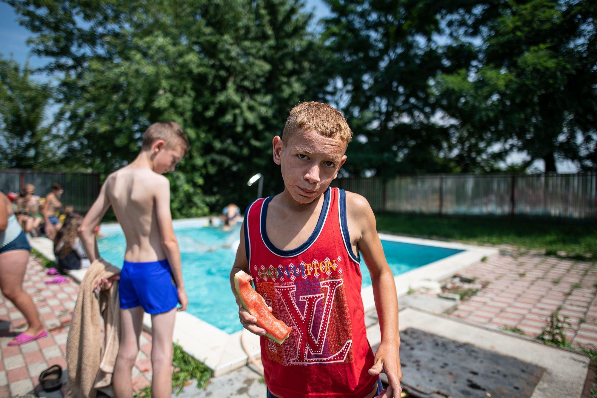 A kárpátaljai gyerekek többsége először volt medencében.