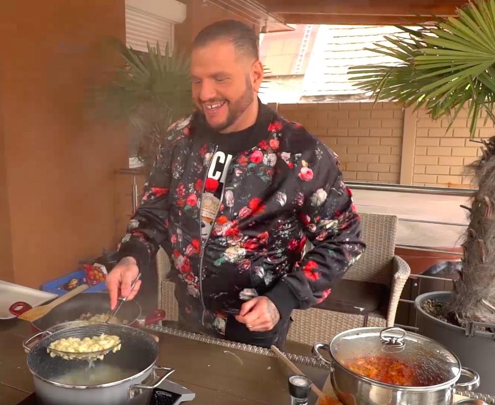 Emilio imád főzni