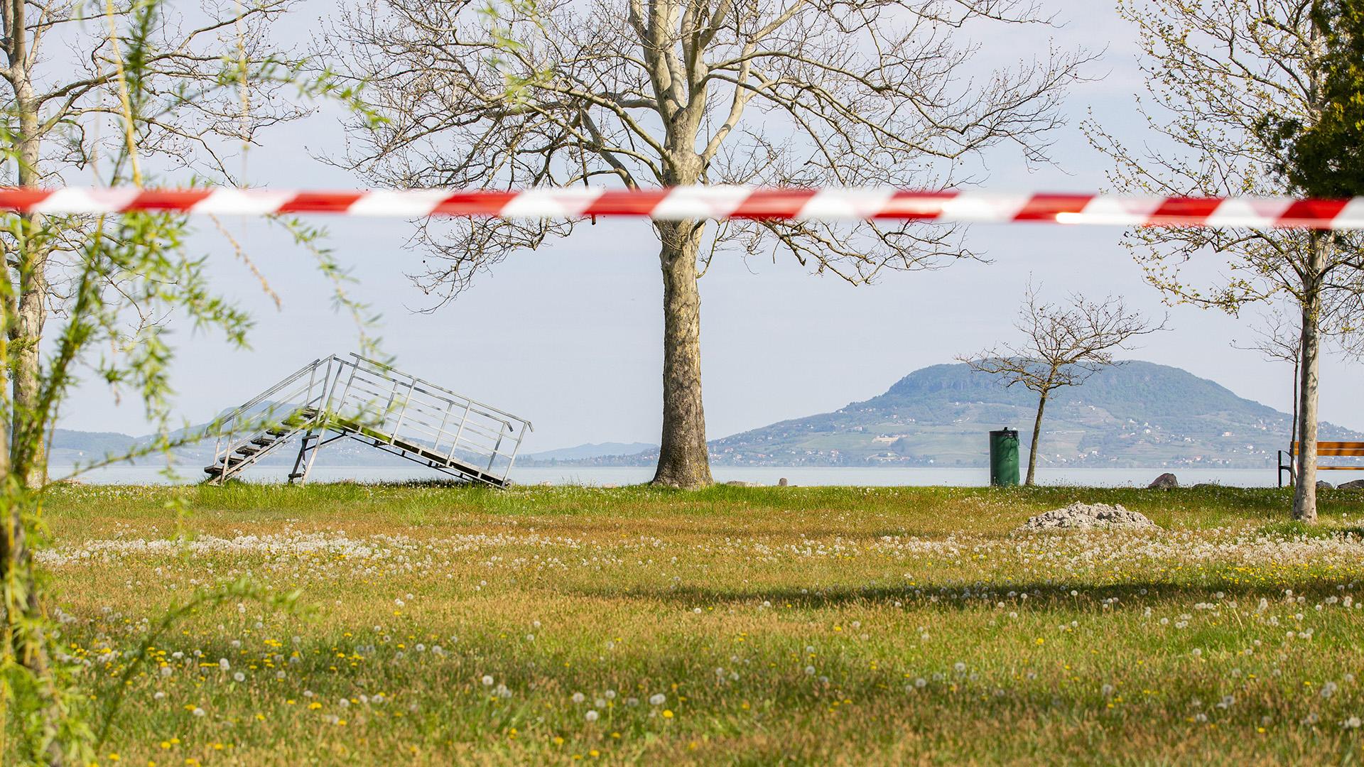 Balatonfenyves lezárt strandja
