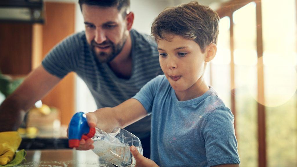 A férfiak menekülnek a házimunka és a gyerekek elől?