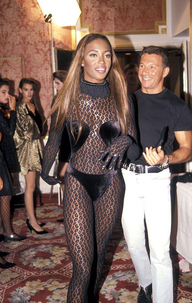 Naomi Campbell az Azzedine Alaia-féle párducruhába