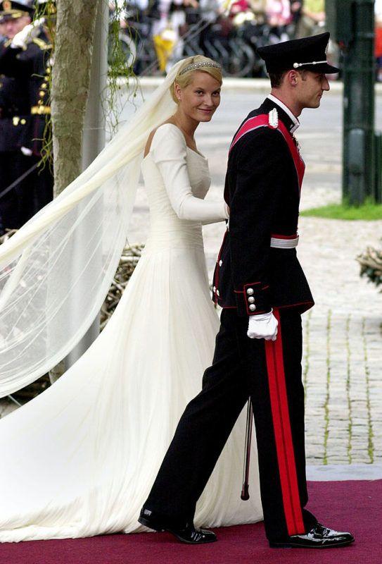 Haakon norvég királyi herceg és Mette-Marit Tjessem Hoiby esküvője 2001 augusztus 25-én