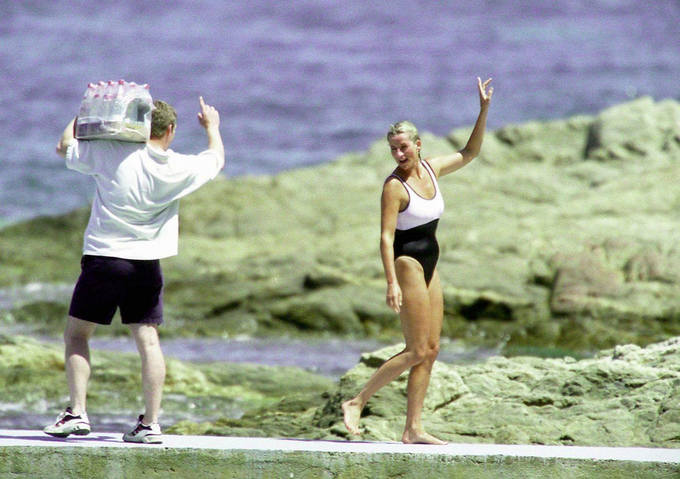 Diana hercegnő 1997-ben a strandon
