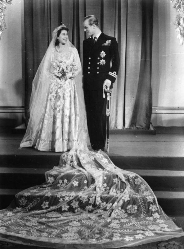 Erzsébet hercegnő és Fülöp edinburgh-i herceg az esküvőjük napján