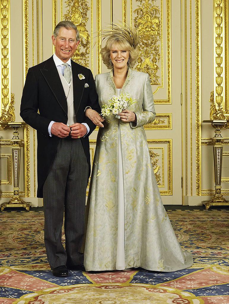 Károly herceg és Kamilla egyik esküvői fotója 2005-ből