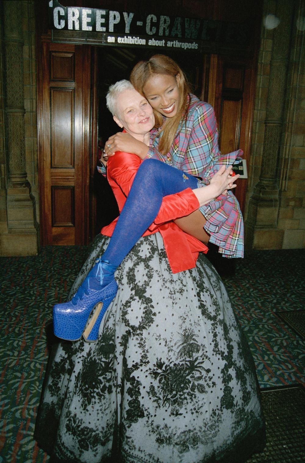 Naomi Campbell és Vivienne Westwood