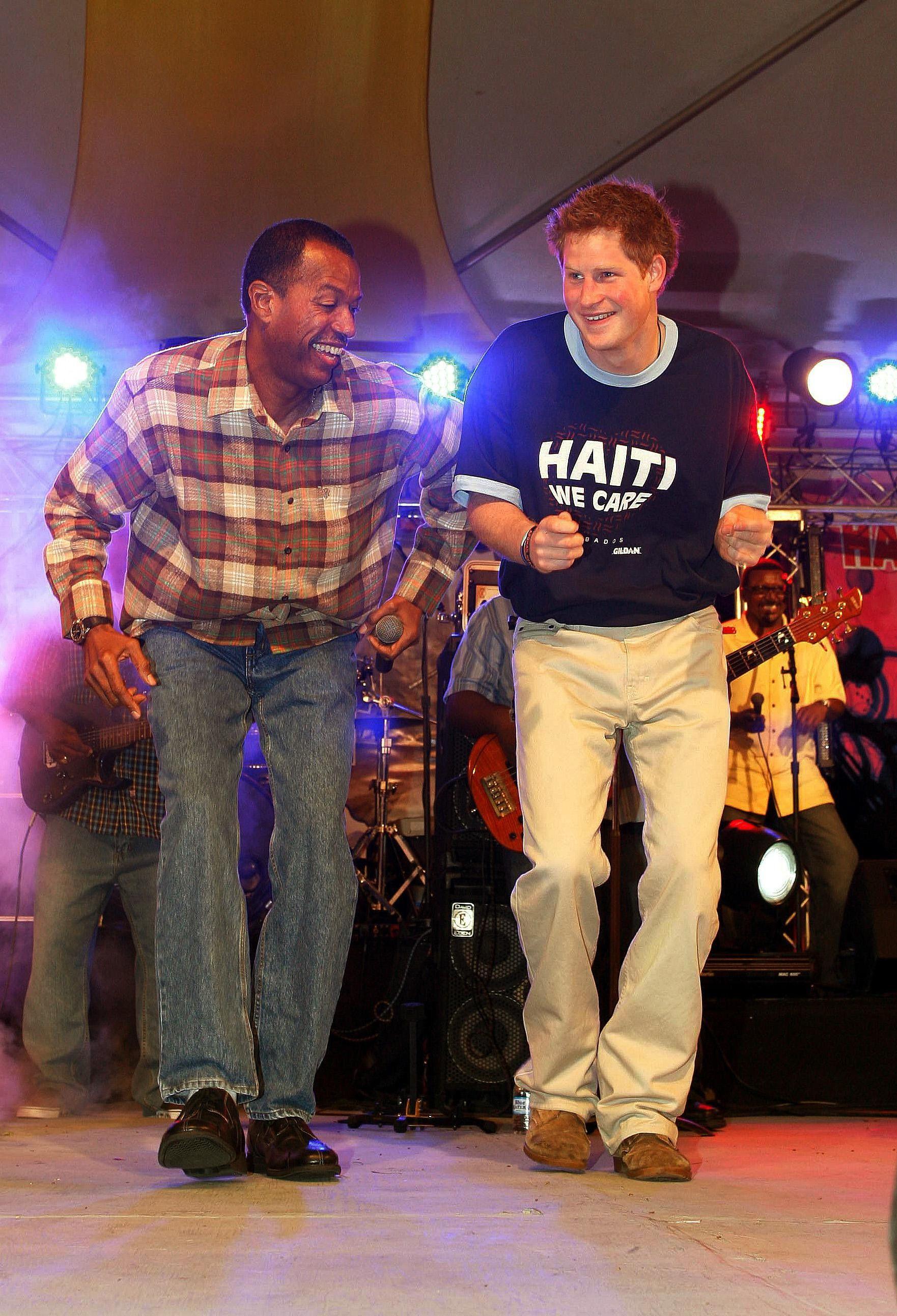 Így táncolt Harry herceg 2010-ben