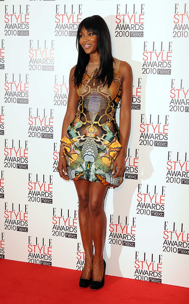 A Manta ruhával Alexander McQueen emléke előtt tisztelgett a 2010-es Elle Style díjátadón