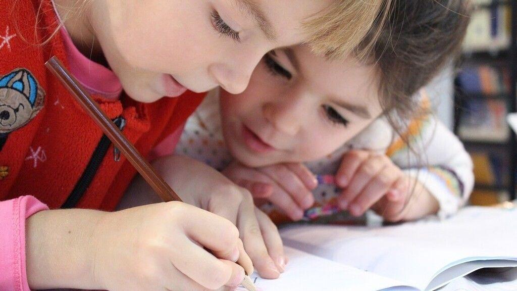 Egy kutatás kiderítette, miért lehetnek kevésbé fogékonyak a gyerekek a koronavírusra