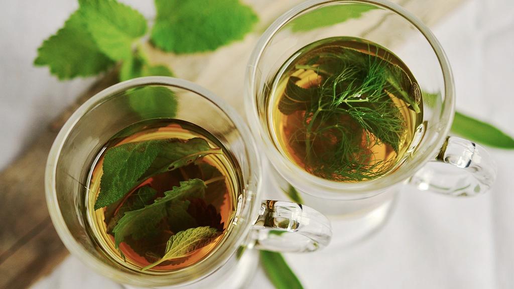 Igyunk gyógynövényteát a stresszes napokon.