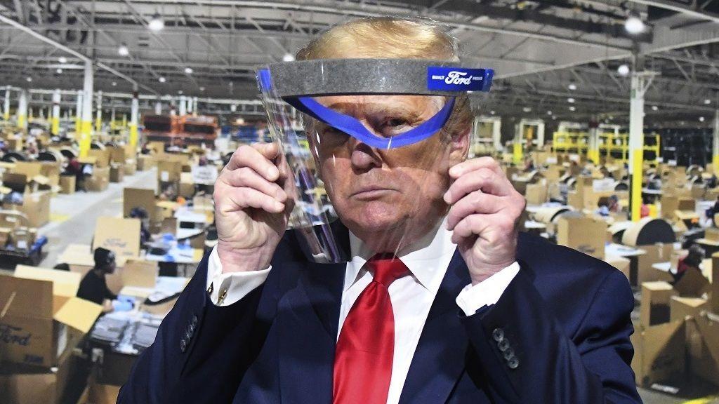 Trump már nem szedi a koronavírus ellen hatástalannak nyilvánított szert, a hidroxi-klorokint