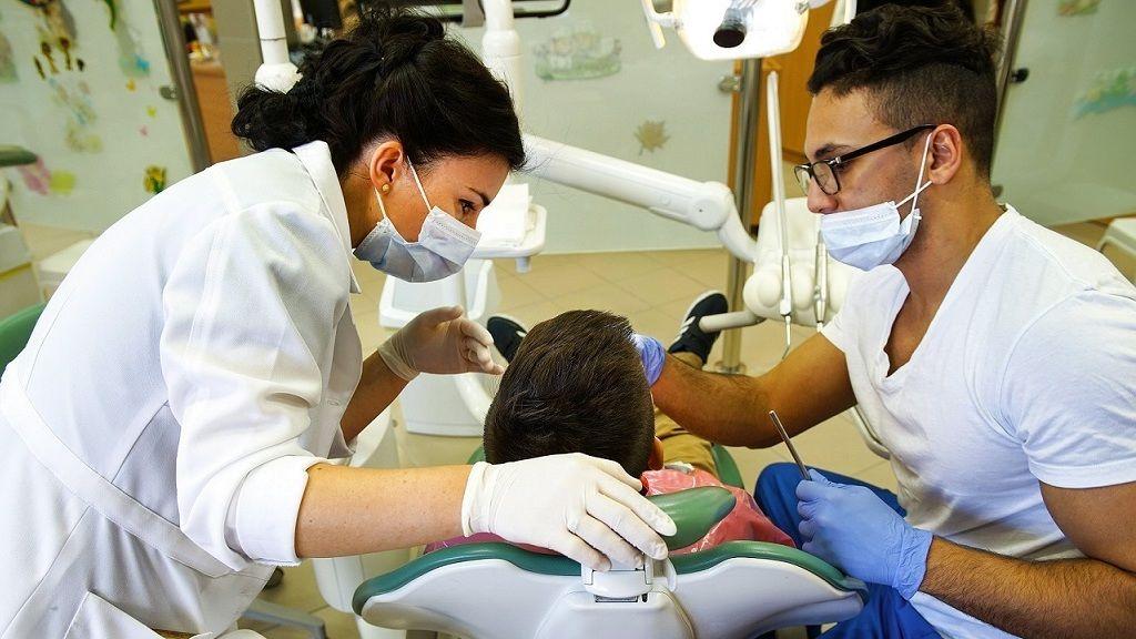 Május 4-én nyitnak a fogorvosi praxisok is