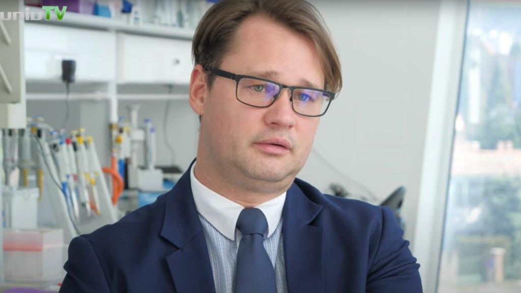 Jakab Ferenc virológus