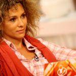 Karsai Zita természetes göndör hajjal