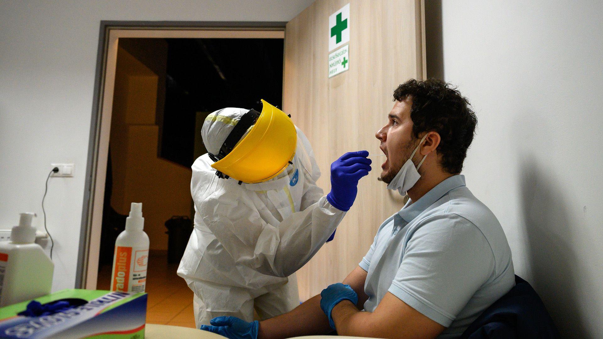 30 különféle koronavírus-kutatás folyik az SZTE-n
