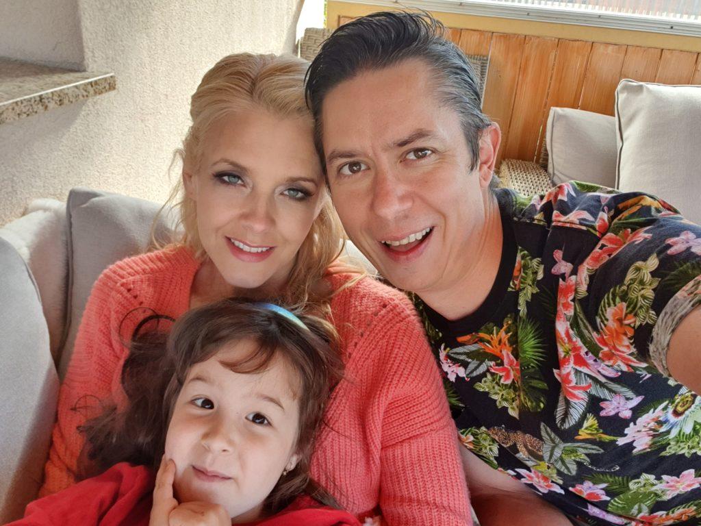 Lukács Miki és Peller Anna a lányukkal, Annabellával