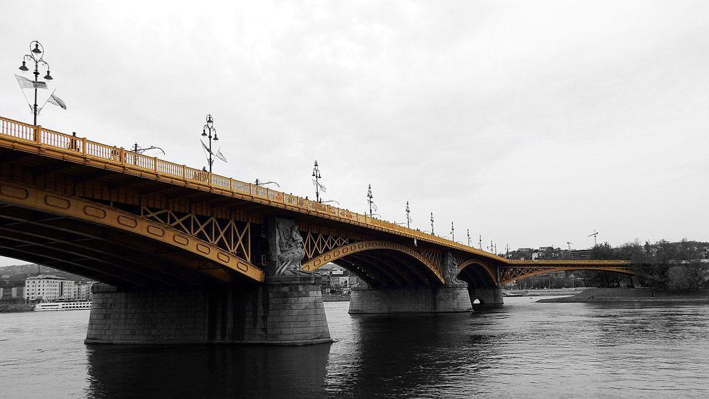 A Margit híd Pest felől fotózva