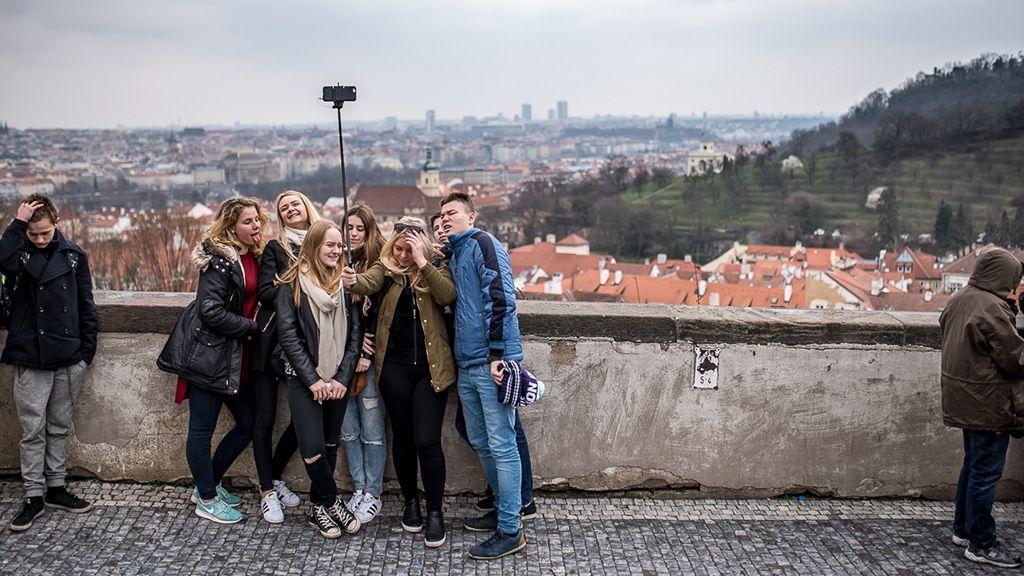 Turisták Prágában