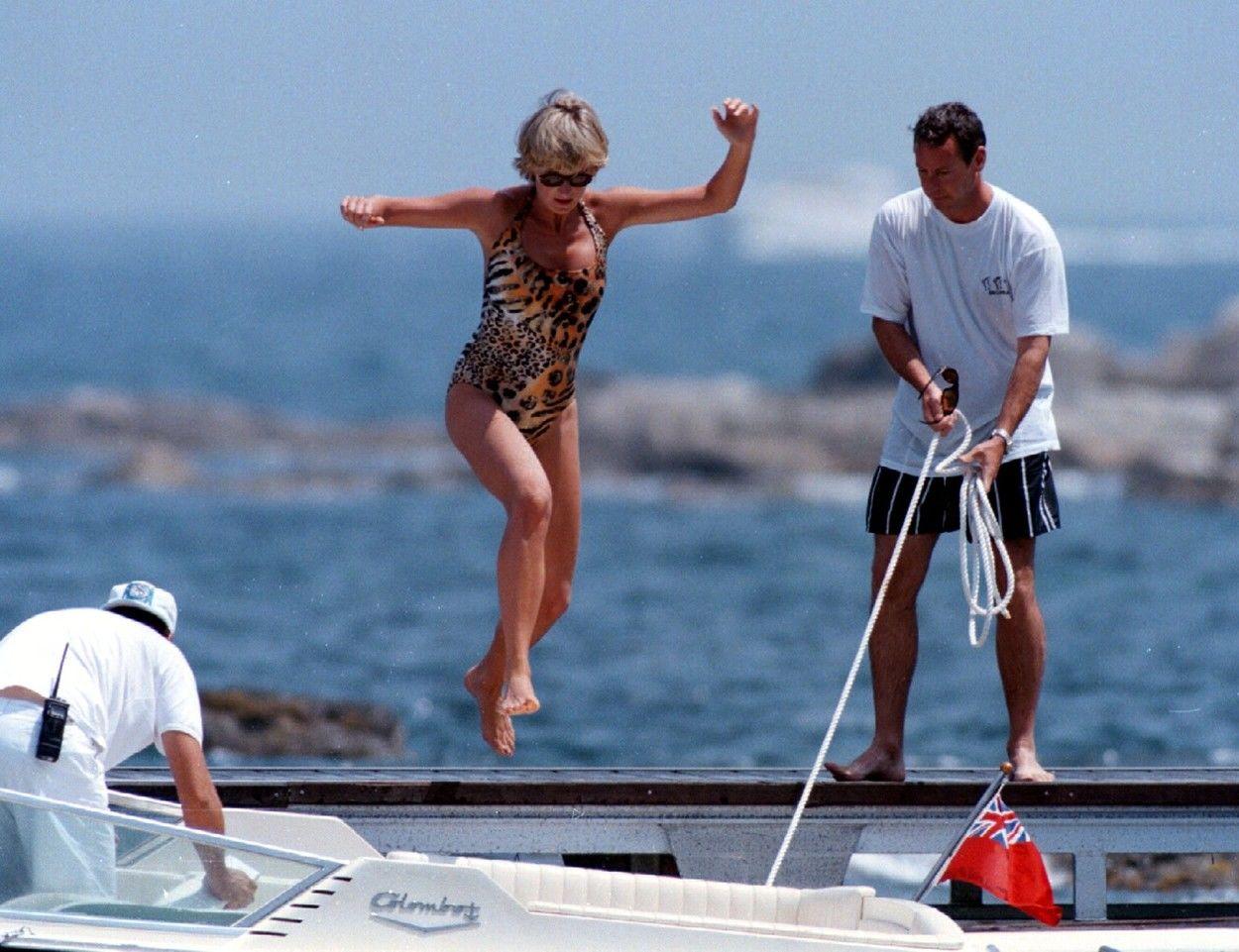 Diana hercegő Franciaországban strandol