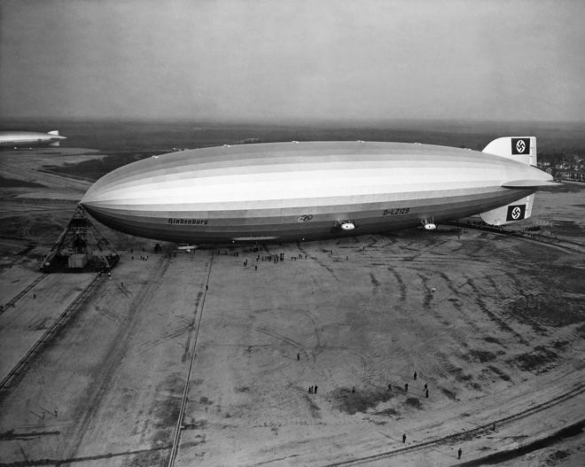 A Hindenburg léghajó Lakehurstban