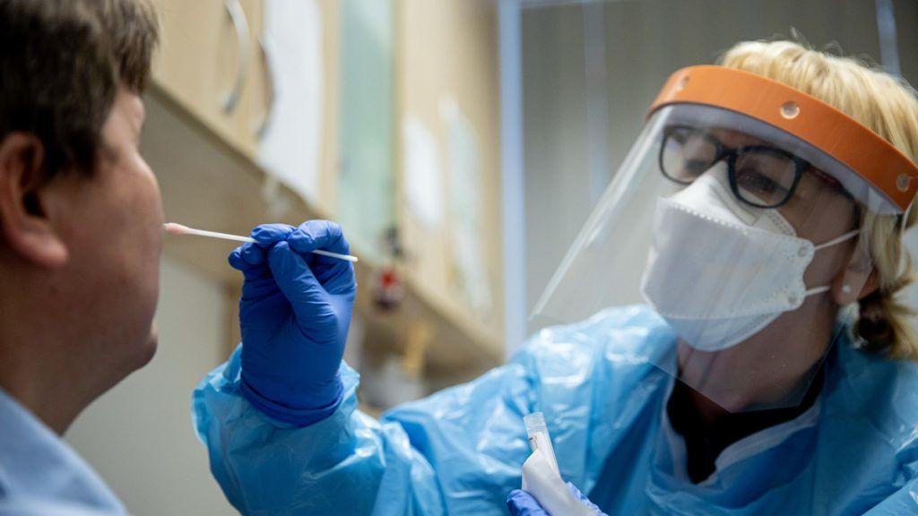 Koronavírus-tesztelés a Semmelweis Egyetemen