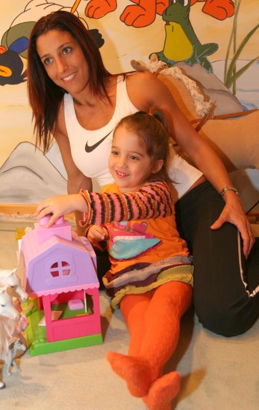 Ribint Réka és Schobert Norbi kislánya, Lara