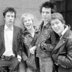 A Sex Pistols tagjai: John Joseph Lydon, művésznevén Johnny Rotten, Paul Cook, John Simon Ritchie, művésznevén Sid Vicious, és Steve Jones.