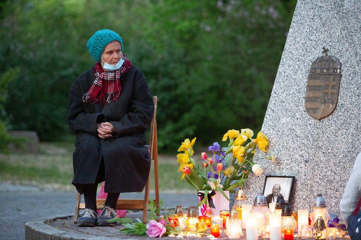 Szilágyi Istvánra emlékeztek, özvegyét, Jolika nénit sokan támogatják