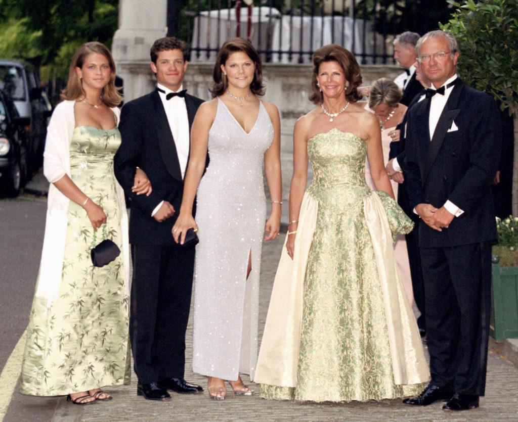 Madeleine hercegnő, Károly Fülöp, Viktória hercegnő, Szilvia svéd királyné és XVI. Károly Gusztáv svéd király (Fotó: Mark Cuthbert/UK Press via Getty Images)