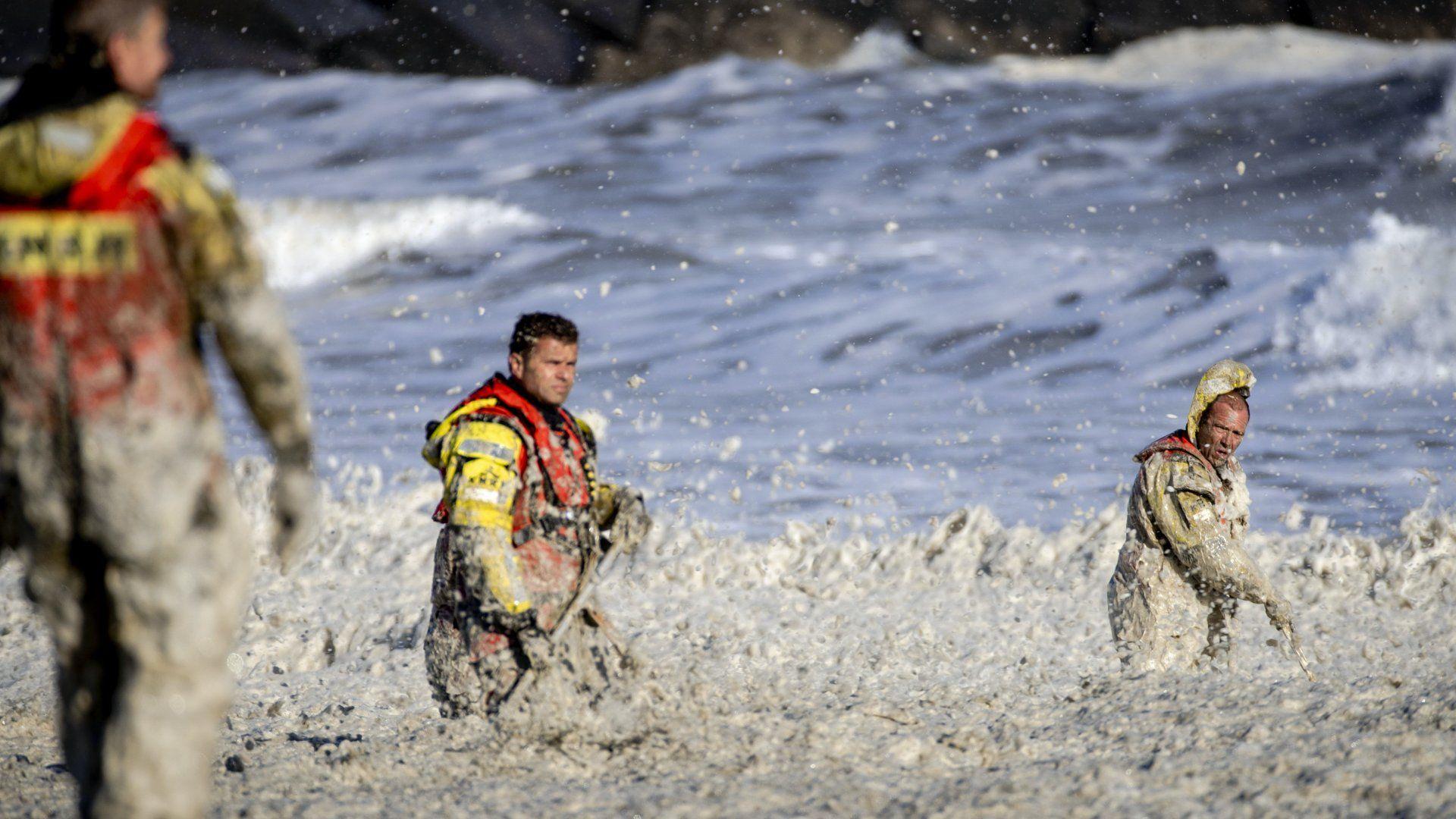 hollandia szörfösök meghaltak viharos szél