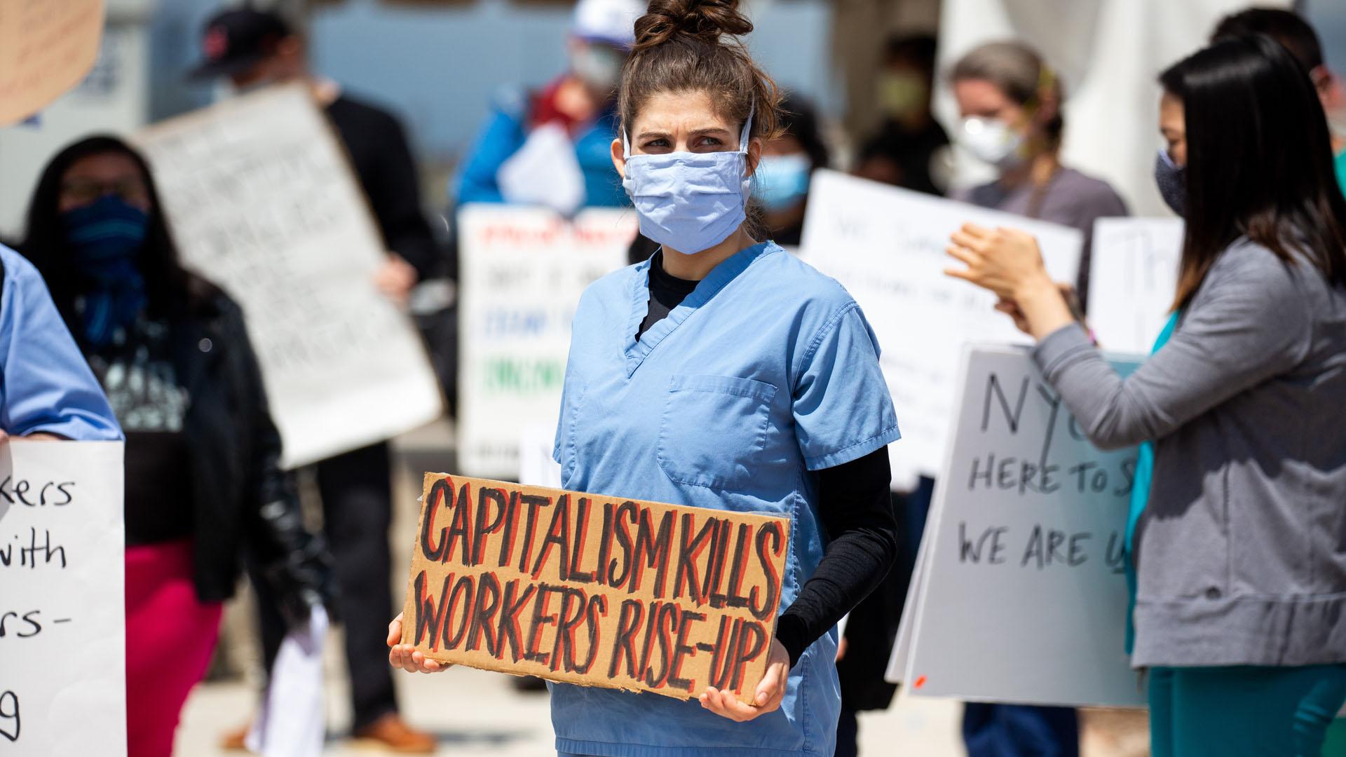 Az Amazon dolgozói tüntetnek a tarthatatlan munkakörülmények miatt
