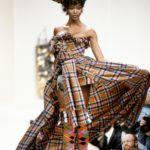 Naomi Campbell Vivienne Westwood 1994-es, őszi divatbemutatóján
