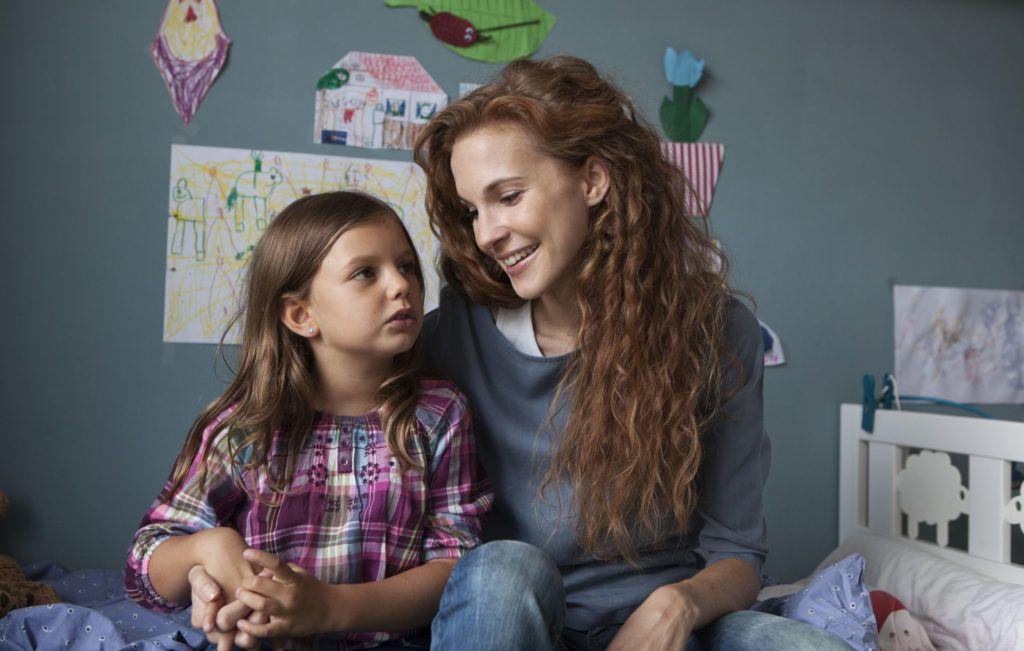 """""""Amikor a gyerek mond esti mesét a szülőnek"""" - a történetmesélés ereje krízishelyzetekben"""