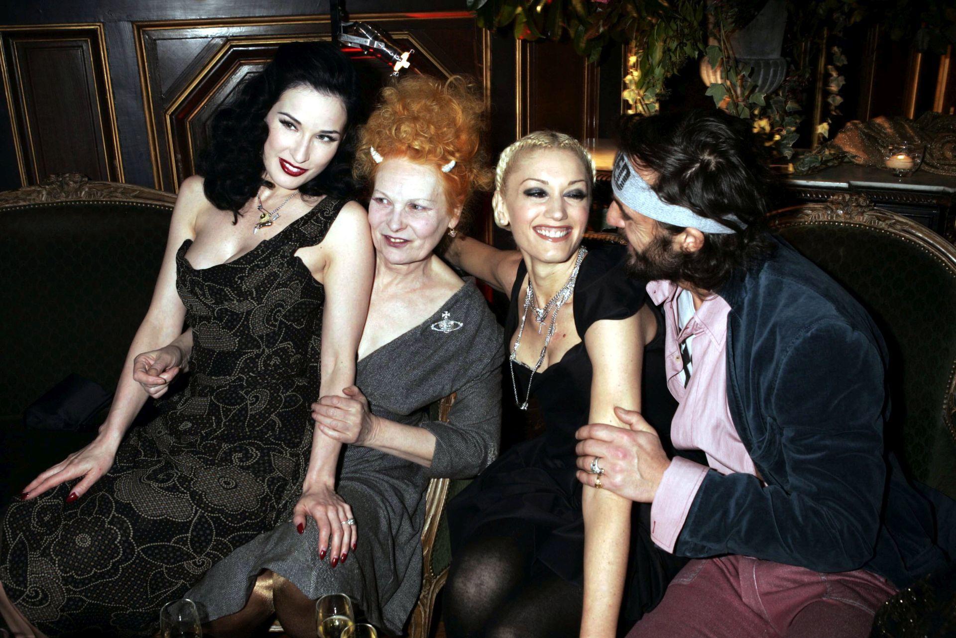 Dita Von Teese, Vivienne Westwood, Gwen Stefani és Andreas Kronthaler 2005-ben.